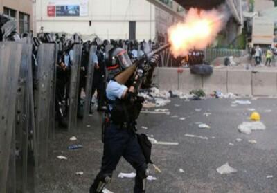 Demo di Hongkong ricuh.