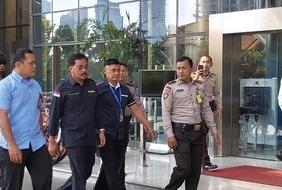Gubernur Kepri Nurdin Basirun di gedung KPK. FOTO: CNN Indonesia/Setyo Aji Harjanto