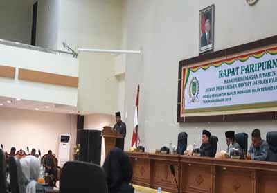 Bupati Kabupaten Inhil HM Wardan saat menyampaikan pidato pengantar Kebijakan Umum Perubahan Anggaran (KUPA) dan Prioritas Plafon Anggaran Sementara (PPAS) Perubahan APBD 2019.