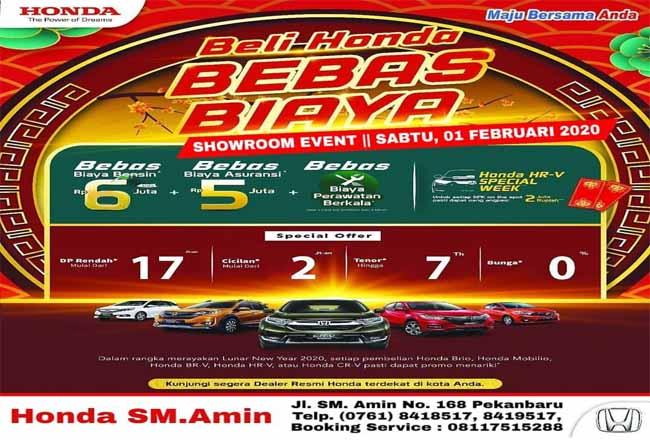 Showroom event bertabur promo di Honda SM Amin.