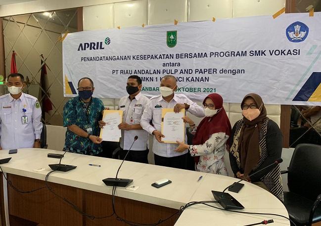RAPP melalui CD, dengan program SMK vokasi, RAPP melakukan penandatangan nota kesepahaman atau MoU dengan Pemerintah Provinsi Riau melalui Dinas Pendidikan.