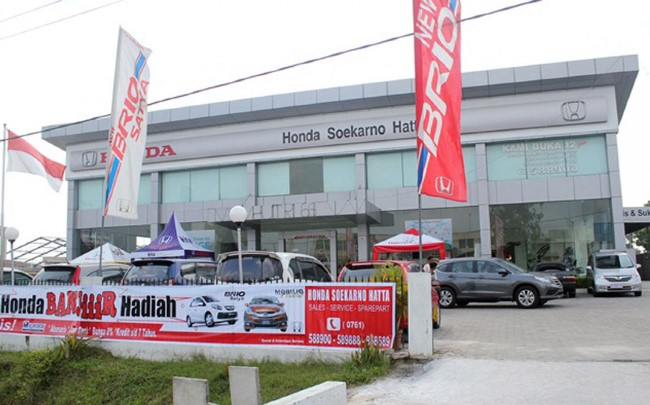 Showroom Honda Soekarno Hatta di Pekanbaru