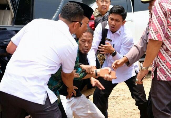 Penusukan Wiranto. Foto: Detik