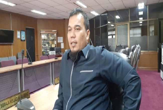 Ketua Komisi I DPRD Riau Ade Agus Hartanto.
