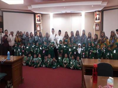 Siswa TK dan SD Al-Azhar 54 Pekanbaru kunjungan ke Pemerintah Provinsi Riau.