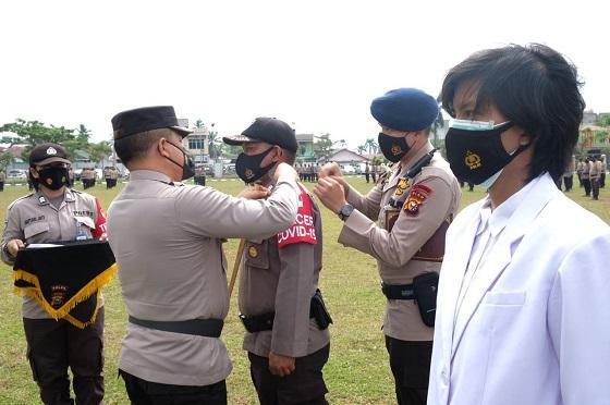 Polda Riau gelar apel kesiapan Bhabinkamtibmas dan tenaga kesehatan Polri sebagai tracer dan vaksinator Covid-19
