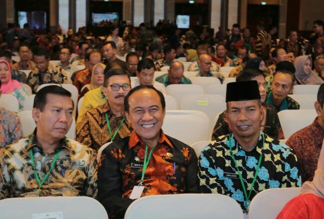 Penjabat Sekda Siak saat mengahdiri Rakornas BKPM RI di Jakarta.