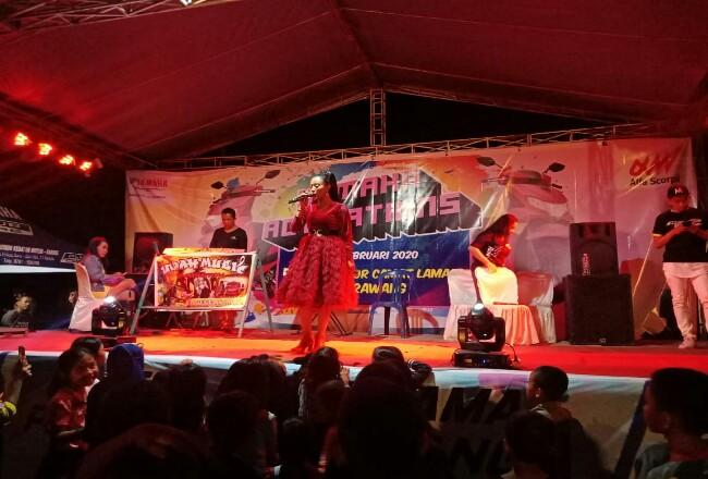 Penyanyi Nadia Pradasari turut memeriahkan acara.