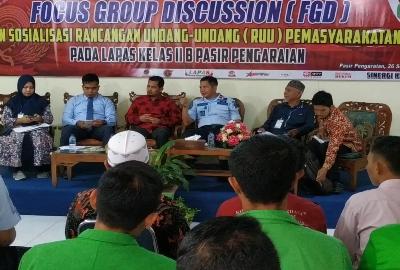 Lembaga Permasyarakatan (Lapas) Kelas II B Pasirpengaraian Kamis, (26/9/2019) menggelar Focus Group Discussion (FGD) terkait Pembahasan Draf RUU Pemasyarakatan yang menimbulkan polemik di masyarakat.