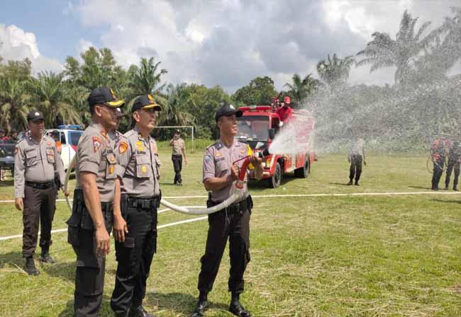 Simulasi yang dilakukan Kepolisian Resort (Polres) lndragiri Hulu (lnhu) bersama dengan PT Tunggal Perkasa Plantations (PT TPP).