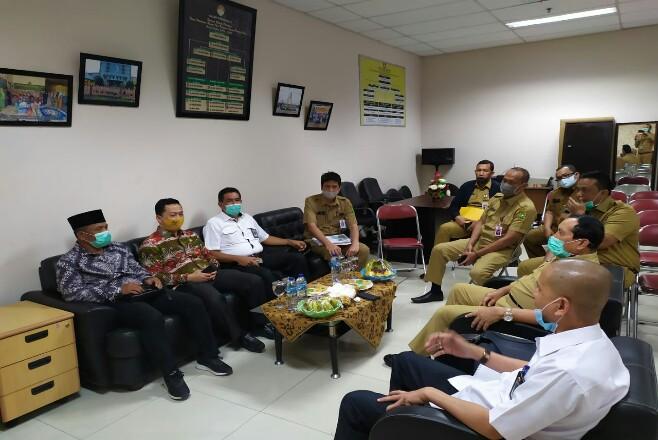 Bupati Rohul H Sukiman, Kepala Dinas PUPR Anton, Kadis Perkim dan Kepala Bappeda, hadiri Rakornis Pembahasan Pembangunan Nasional Usulan di APBN 2021 bersama Anggotanya DPR RI Komisi V Syahrul Aidi dan Kadis PUPR Riau, di Pekanbaru.