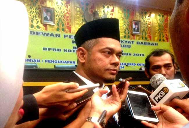 Ketua DPRD Kota Pekanbaru Hamdani MS SIP