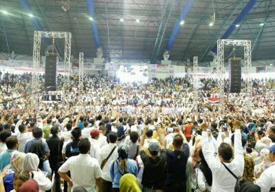 Massa pendukung Prabowo padati Gelanggang Remaja.