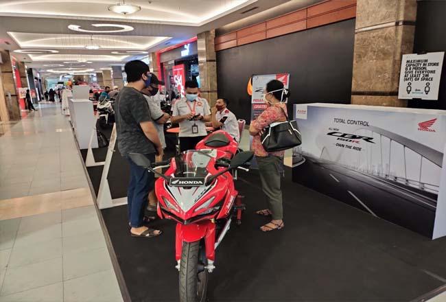 Honda Give ANGPAO.