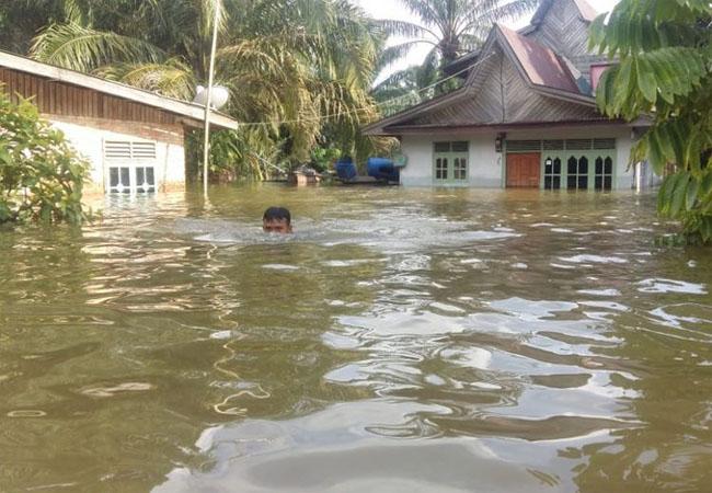 Banjir Riau.