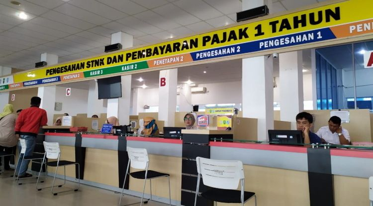 Riau bebaskan denda pajak kendaraan bermotor akibat wabah corona.