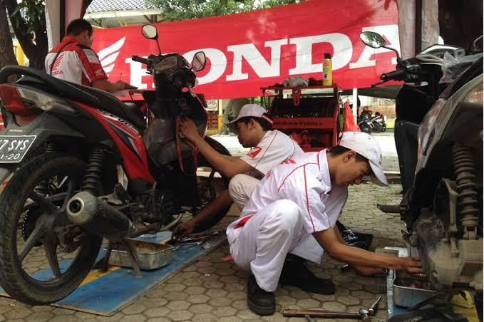 Mekanik Honda.