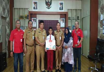 Satu murid SD dari Pekanbaru terpilih berangkat ke Hongkong.