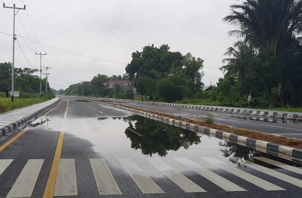 Jalan Pramuka tergenang.