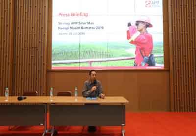Direktur Asia Pulp & Paper (APP) Sinarmas Suhendra Wiriadinata menegaskan kesiapan perusahaan dan seluruh mitra pemasoknya untuk menghadapi musim kemarau 2019 yang diprediksi oleh BMKG akan lebih kering dari tahun sebelumnya.