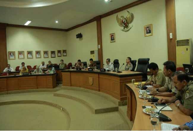 Gubernur Riau gelar pertemuan dengan DPD RI.