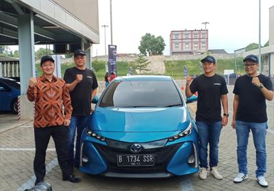 Test drive mobil elektrifikasi yang teknologinya telah dikembangkan Toyota Global.