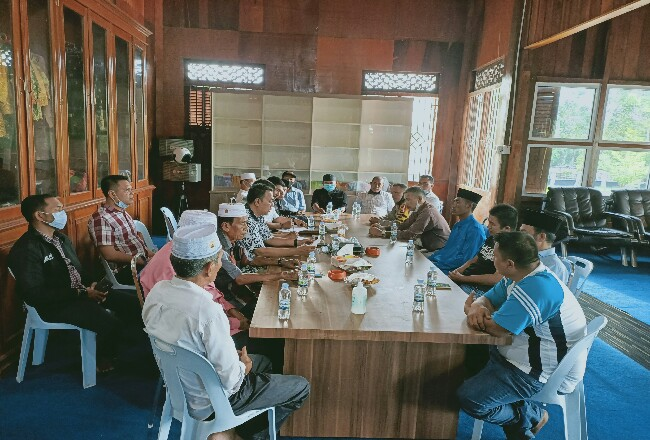 Sejumlah tokoh di Meranti tampak hadir dan meminta Calon Bupati H Aidil melakukan Tabayun.