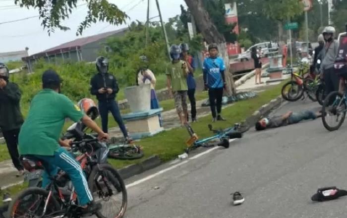 TKP tewasnya pesepeda ditabrak Pajero Sport.