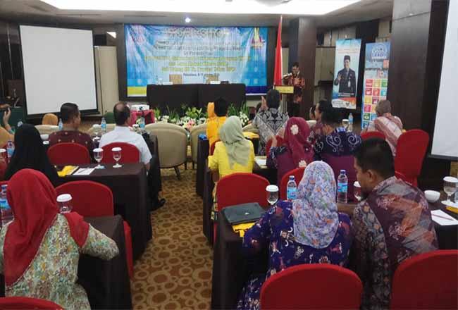 BKKBN Perwakilan Riau menargetkan ada penurunan Total Fertility Rate (TFR) atau Angka Kelahiran Total menjadi 2,16 pada tahun 2024 mendatang.