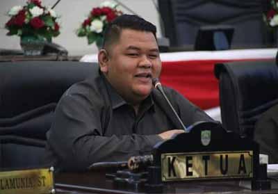 Novliwanda Ade Putra SE ditunjuk sebagai Ketua DPRD Kabupaten Rohul.