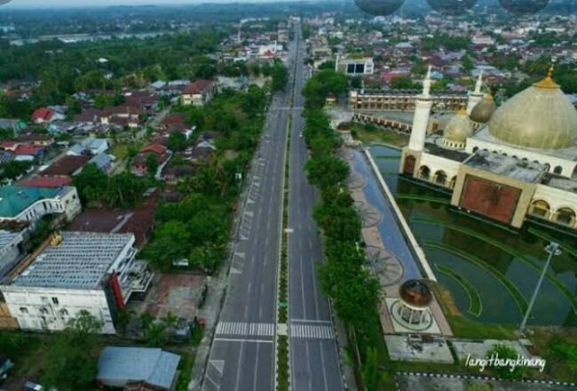 Foto jalan lintas Provinsi Riau di Rohul, yang telah diusulkan menjadi jalan nasional kini tinggal SK Kementrian PUPR.
