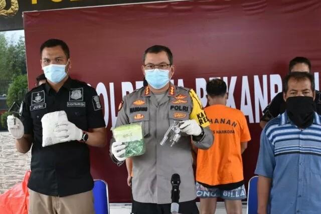 Barang bukti yang diamankan Polresta Pekanbaru. Foto: Antara