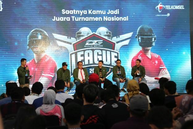 Head of Digital Lifestyle Telkomsel Crispin P. Tristram saat memaparkan mengenai Telkomsel melalui Dunia Games akan menggelar kembali liga Esport terbesar dengan nama Dunia Games League 2020 di Jakarta, Kamis (12/12/2019).