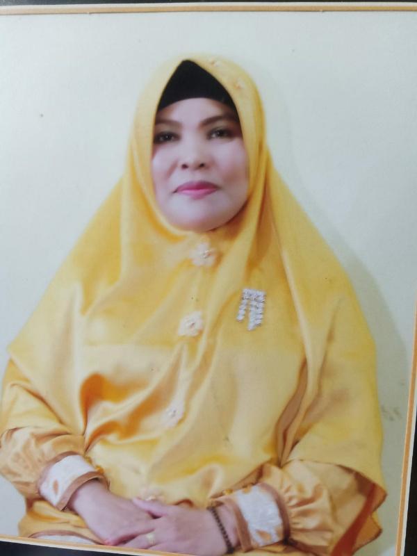 """Pimpinan Tari Kreasi Laskar Betuah """"Pelalau Joki"""" SDN 009 Kuala Terusan, Hj Elfidawati MPd."""