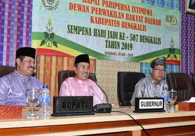 Gubernur Riau Syamsuar menghadiri Rapat Paripurna HUT ke-507 Bengkalis.