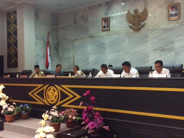 Pimpinan DPRD Pekanbaru & Wali Kota serta Wakil Wali Kota di Paripurna nota kesepakatan KUPA-PPAS RAPBD P 2017