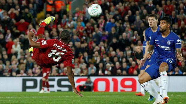 Gol Sturridge sempat membuat Liverpool unggul. FOTO: REUTERS/Andrew Yates