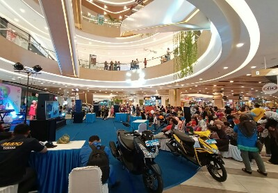 Iven Fantasia Bersama Yamaha FreeGo di Living World Pekanbaru.