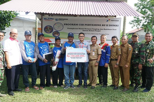 Pertamina RU II Dumai salurkan dana CSR untuk pemberdayaan kelompok nelayan di Kelurahan Tanjung Palas
