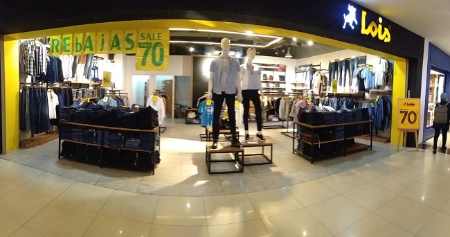 Bazaar Rebajas berlangsung selama 14 hari mulai 25 November hingga 8 Desember 2019 khusus di showroom Lois Jeans yang ada di Mall SKA Pekanbaru lantai 1