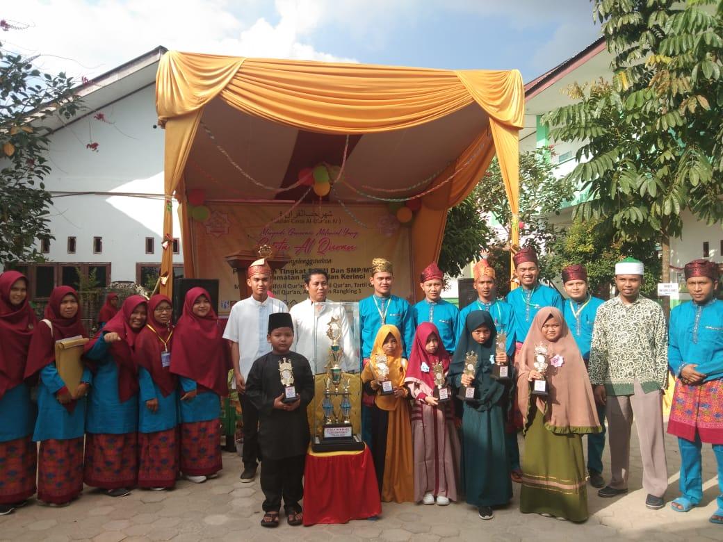 Sekolah Dasar Islam Terpadu (SDIT) At Taqwa berhasil meraih piala bergilir pada perlombaan Bulan Cinta Alquran, baru-baru ini, di Pangkalan Kerinci dalam berbagai kategori.