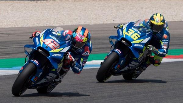 Alex Rins dan Joan Mir berhasil naik podium bareng lagi di MotoGP Eropa.