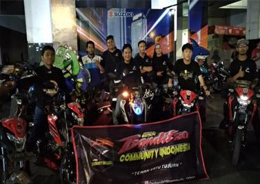 Hampir 400 bikers Suzuki baik yang tergabung di klub/komunitas maupun secara pribadi mendaftarkan diri dan mengikuti Suzuki Saturday Night Ride Surabaya.