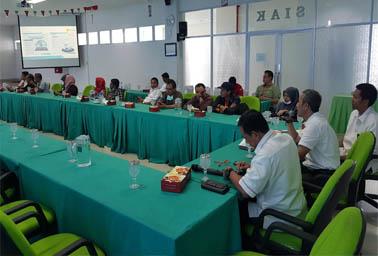 Lomba dengan tema PLN Menembus Batas Riau Kepri Terang digelar untuk memeriahkan Hari Listrik Nasional (HLN) ke-74 yang jatuh pada tanggal 27 Oktober 2019 mendatang.
