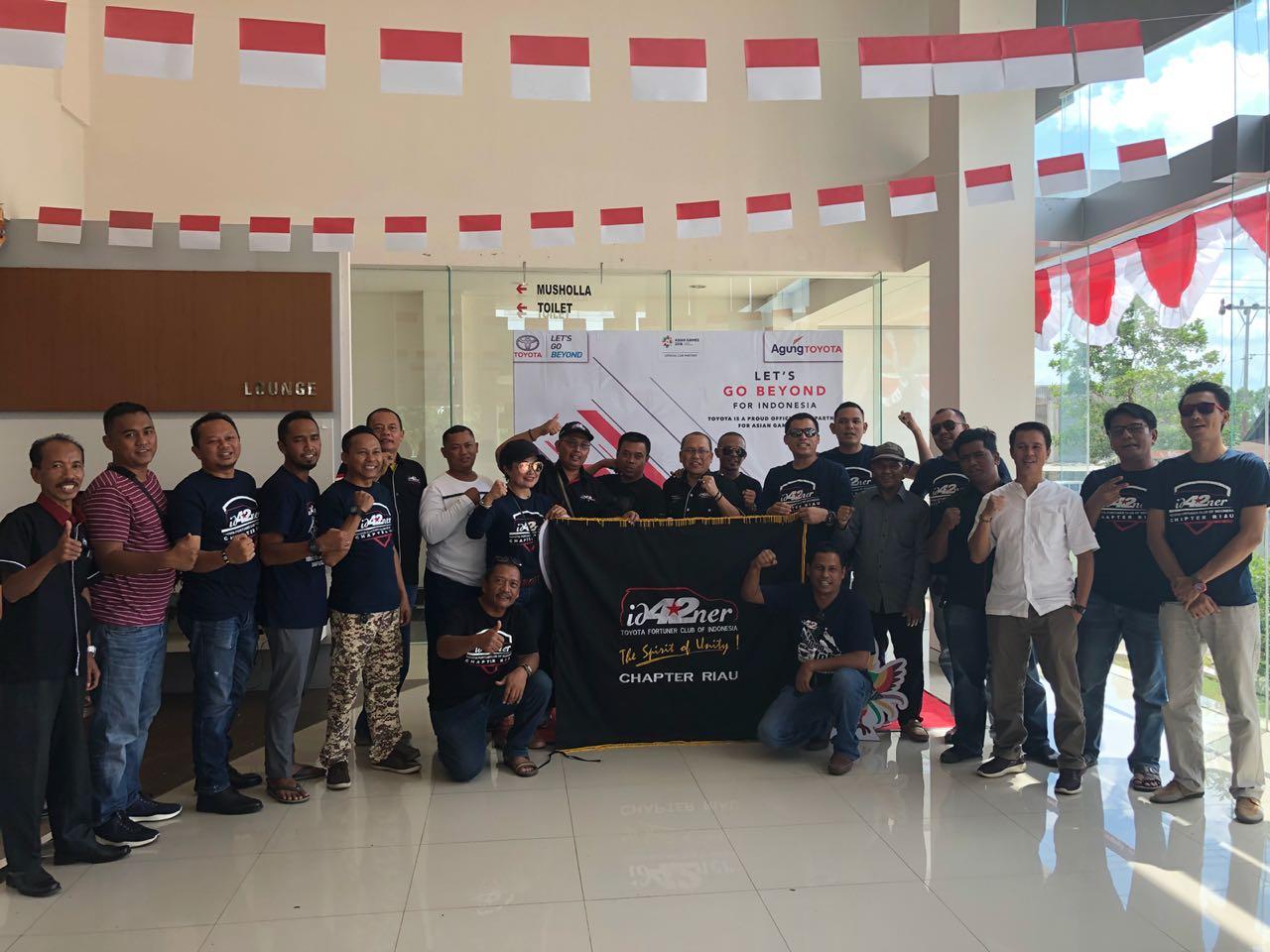 Kacab Agung Toyota Taluk Kuantan foto bersama komunutas ID42NER Ch Riau