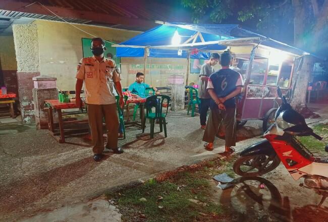 Kepala Satpol PP Kota Dumai RH Bambang Wardoyo SH memimpin sosialisasiPerwako Nomor 65 Tahun 2020, tentang penerapan disiplin dan penegakan hukum protokol kesehatan.