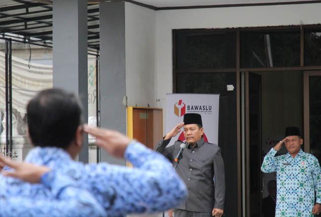 Koordinator Divisi Pengawasan, Hubungan Masyarakat, dan Antar Lembaga Bawaslu Riau Neil Antariksa