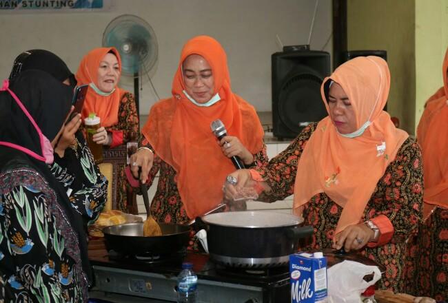 Forikan Siak gelar pelatihan pembuatan makanan tambahan berbahan ikan lokal, sasarannya untuk ibu-ibu hamil dan ibu balita.