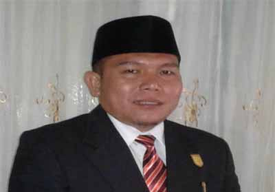 Wakil Pimpinan Sementara DPRD Kuansing Naswan.