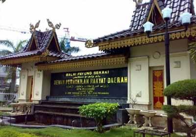 DPRD Pekanbaru